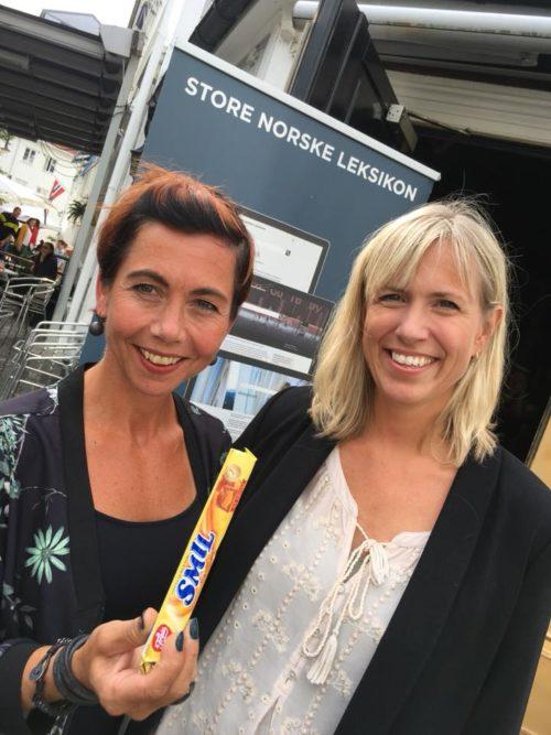 Anne-Berit Herstad fra NAV (th) og Mette Siri Brønmo fra Brønnøysundregistrene, som kom på 2. plass. Foto: SNL.