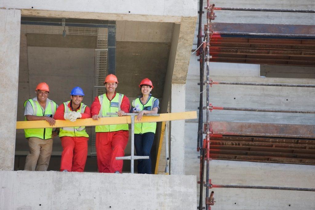 SAMARBEID: Arbeids- og velferdsdirektoratet og Entreprenørforeningen Bygg og Anlegg (EBA) skal samarbeide om å flere i jobb. Foto: Colourbox