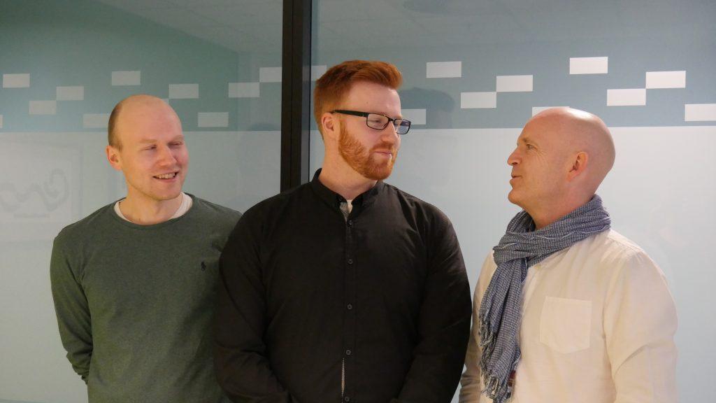 NTNU FORSKER PÅ MI: Doktorgradsstudentene Magnus Standal og Vegard Foldal og professor Roar Hagen er spent på resultatene.