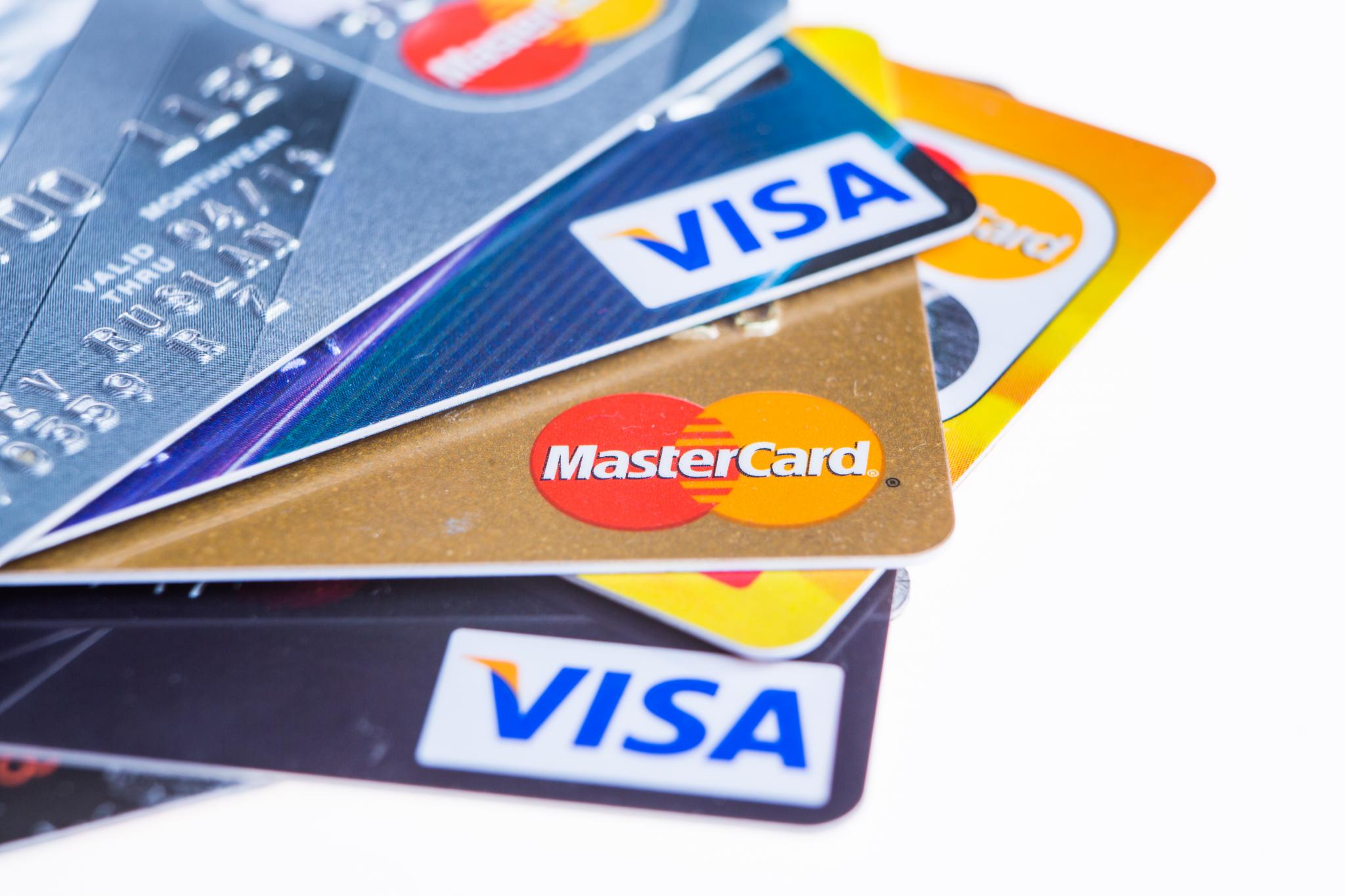 GJELD: Mange av de som søker om økonomisk rådgivning har flere kredittkort. Foto: Colourbox