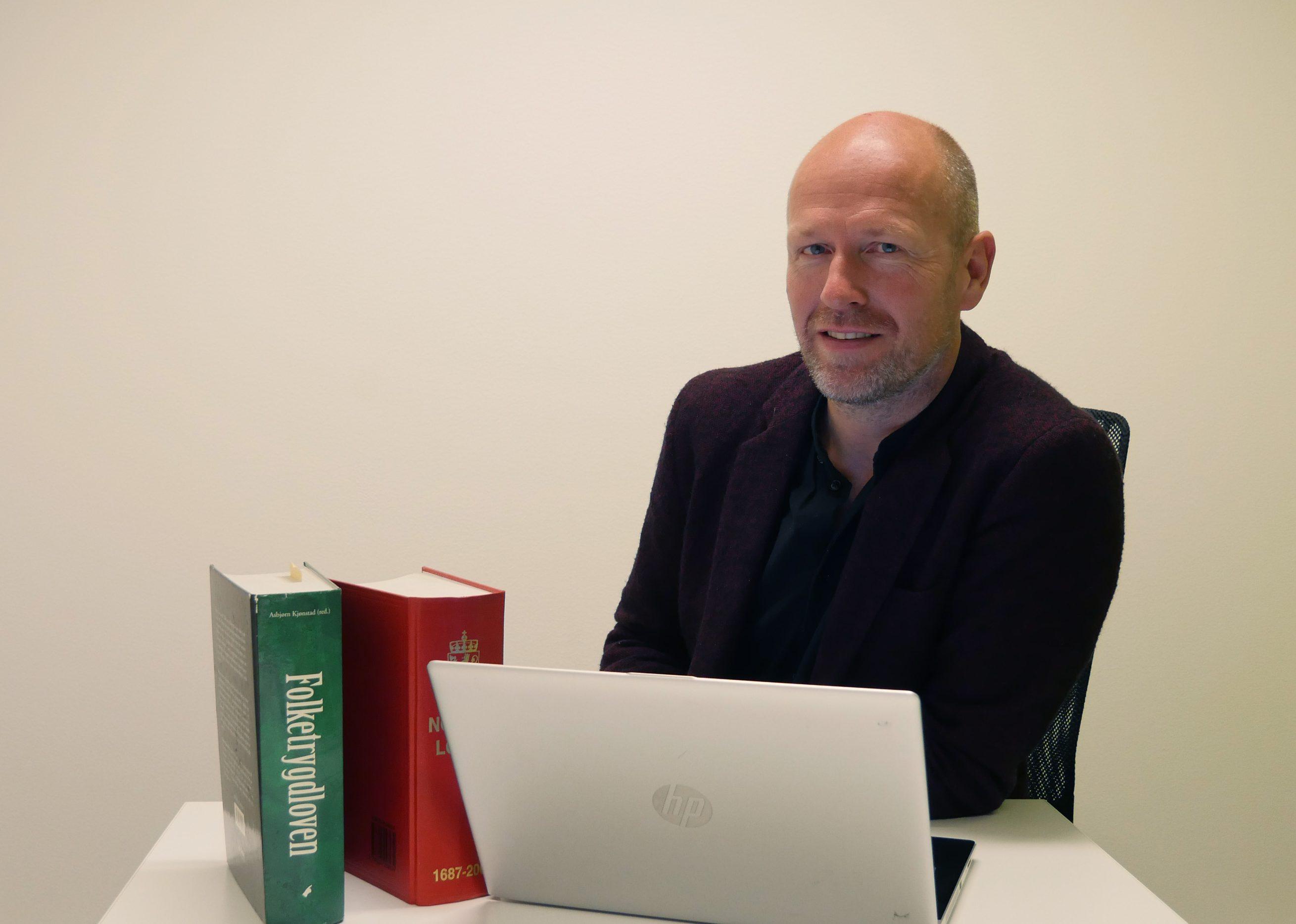 JUSS OG ETIKK: Juristene må kobles tidlig på i IT-utviklingen, mener Haakon Hertzberg, assisterende kunnskapsdirektør i NAV og selv jurist.